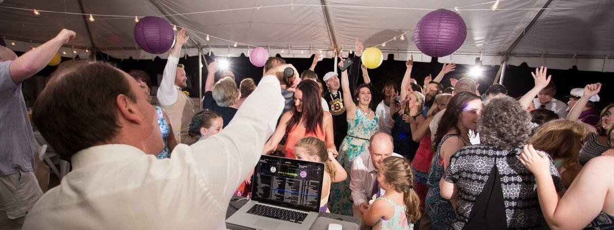 create the best wedding reception playlist