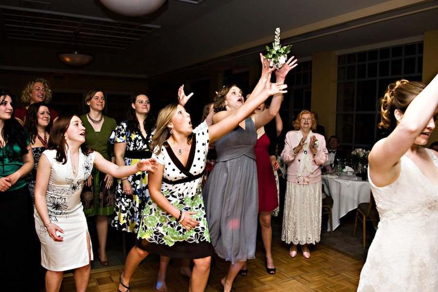 wedding-bouquet-toss-song-list4